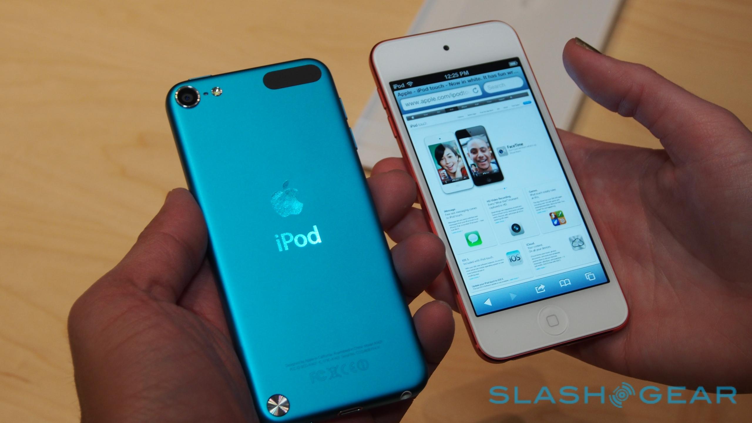 Nový iPod touch a iPod nano v ruce (video)