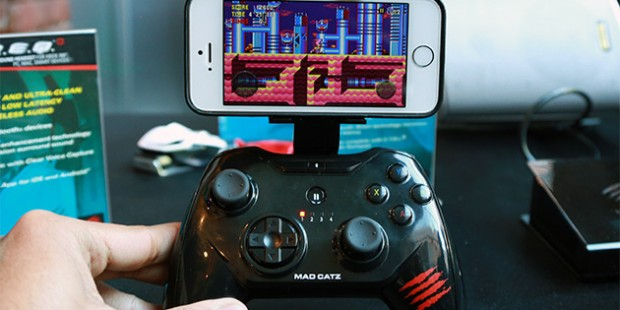 Mad Catz C.T.R.L.i Bluetooth iOS 7 Controller Revealed at Mobile World Congress