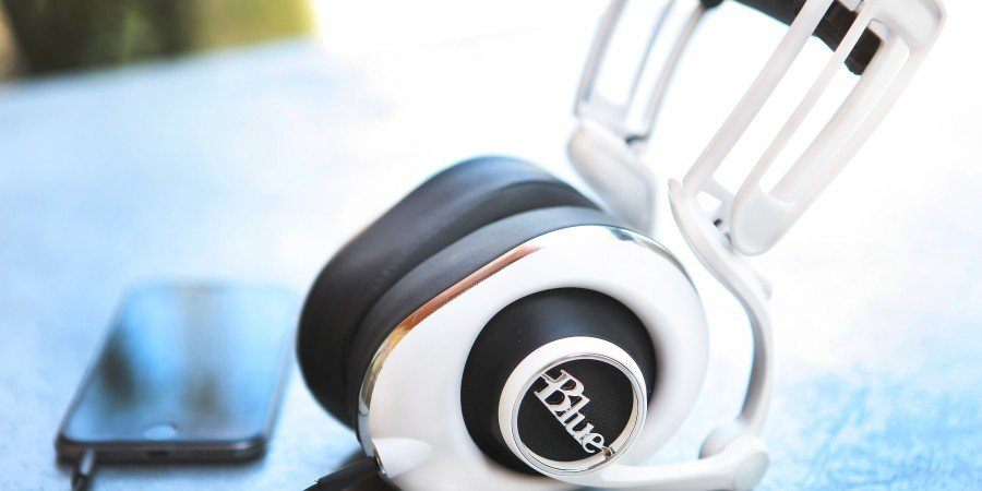 Blue Lola Headphones Review: Good Microphone Maker Also Good at Headphones