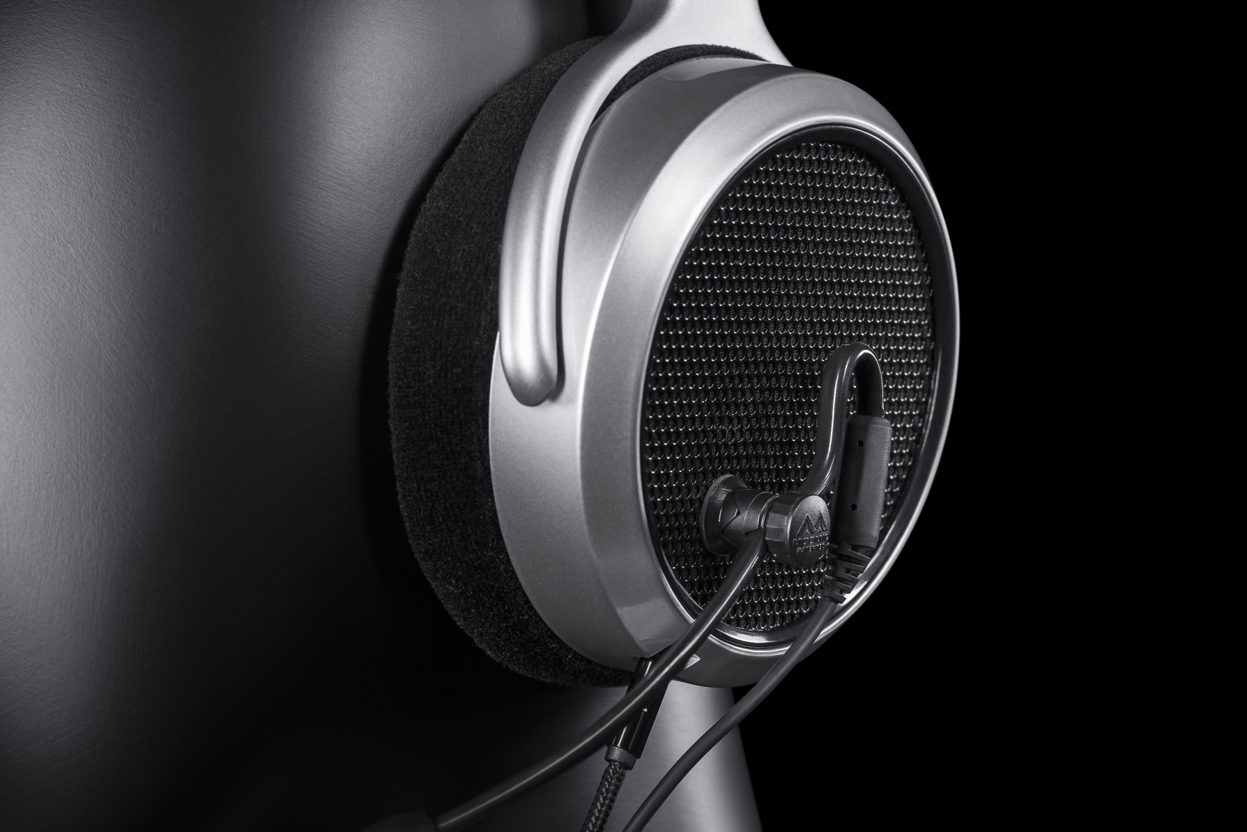 modmic-5-on-open-back-headphones