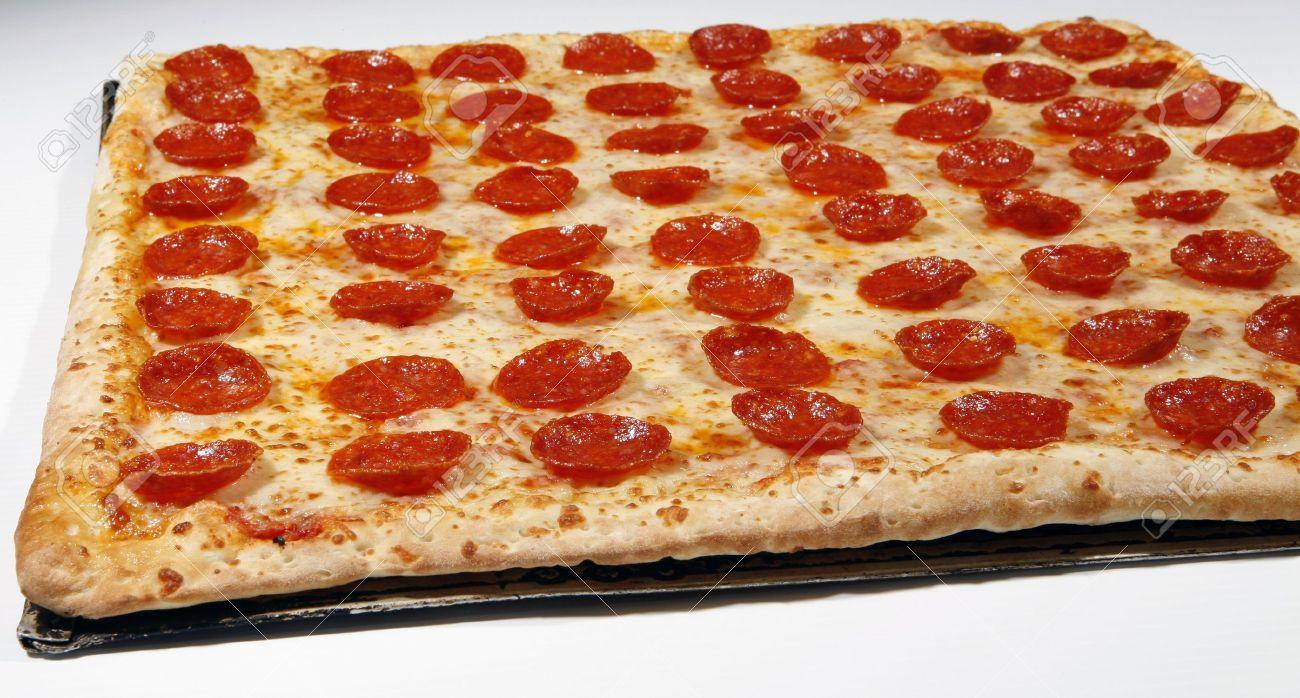 7473523-square-pepperoni-pizza-Stock-Photo